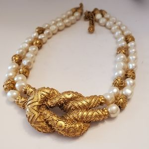 Vintage etruscan pearl necklace